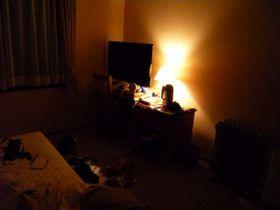 薄暗い部屋