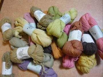 草木染めの毛糸
