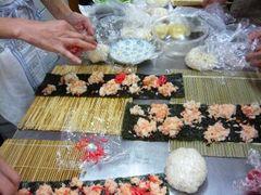 薔薇寿司の芯作り
