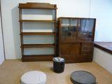 茶箪笥と本棚